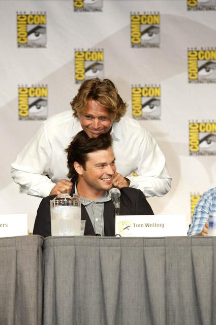 Джон Шнайдер удивил Тома Веллинга на Comic-Con 2010