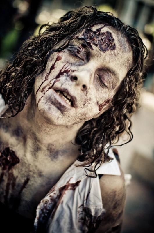 Мечтающая зомби на Comic-Con 2010