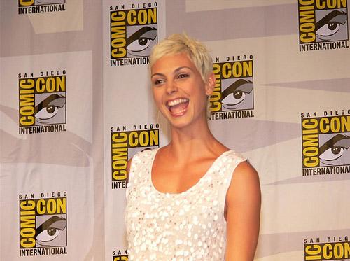 Морена Баккарин (Визитеры) на Comic-Con 2010