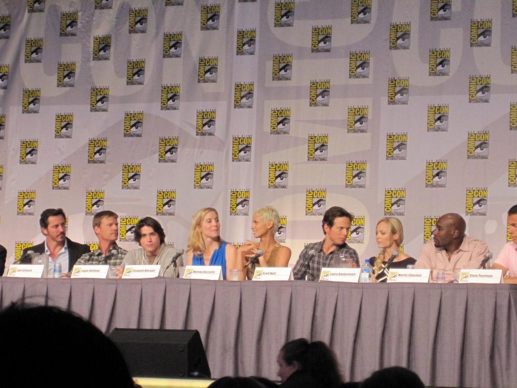 Актерский состав Визитеров на Comic-Con 2010