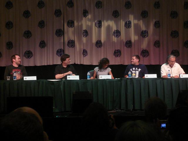 Марк Шеппард, Ричард Хэтч, Рекха Шарма, Аарон Дуглас, Эдвард Джеймс Олмос на Dragon-Con 2010
