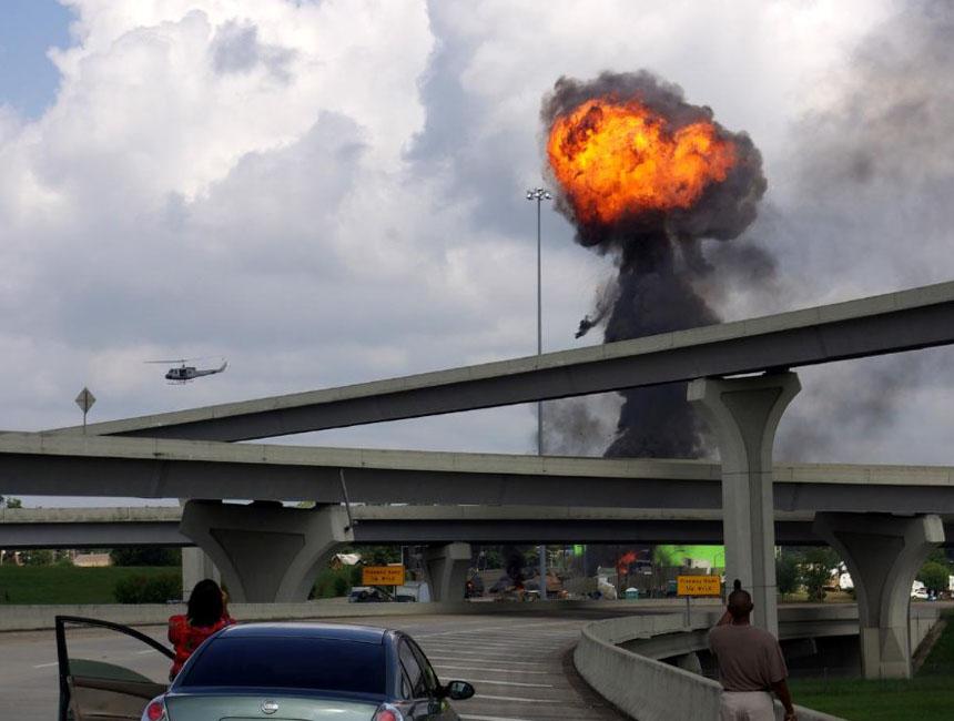 Огненный взрыв в фильме Битва: Лос-Анджелес