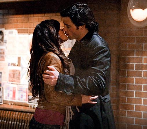 Кларк и Лоис целуются