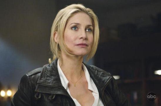 Элизабет Митчелл в сериале V
