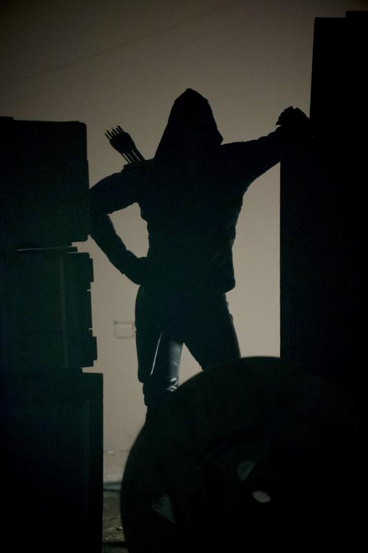 "Стрела ""Darkness on the Edge of Town"" - 22 серия 1 сезона"