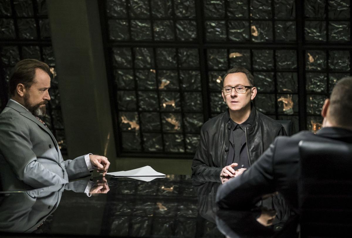 """Стрела """"Divided"""" - 10 серия 6 сезона"""