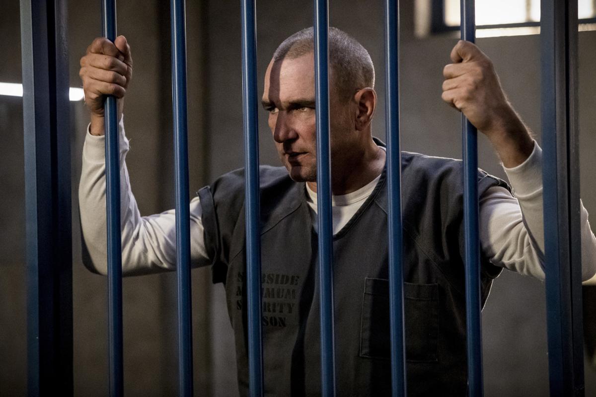 """Стрела """"Crossing Lines"""" - 3 серия 7 сезона"""