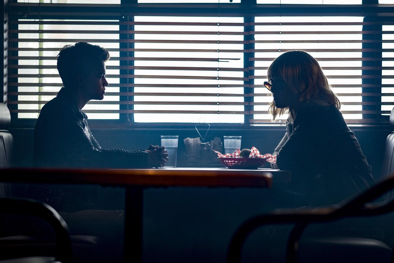 """Бэтвумен """"Mine Is a Long And a Sad Tale"""" - 5 серия 1 сезона"""
