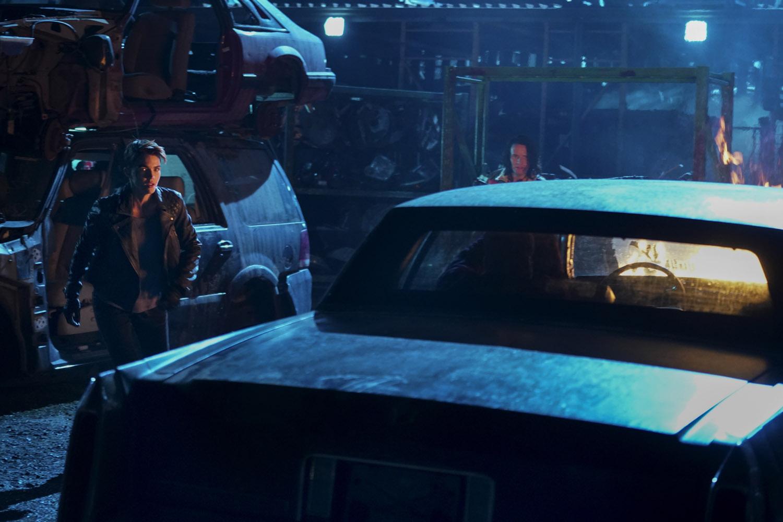 """Бэтвумен """"An Un-Birthday Present"""" - 11 серия 1 сезона"""