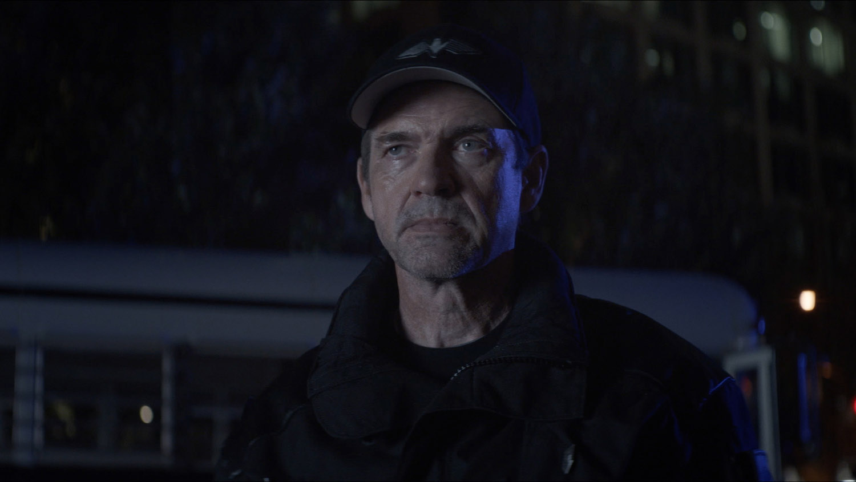 "Бэтвумен ""Prior Criminal History"" - 2 серия 2 сезона"