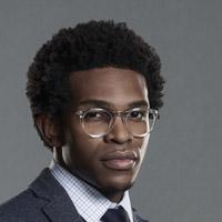 Камрус Джонсон в сериале Бэтвумен - официальное фото