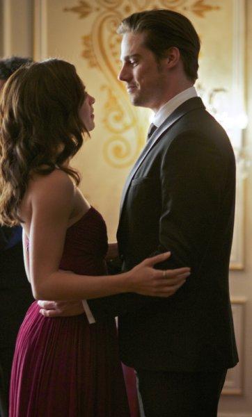 "Красавица и Чудовище ""Bridesmaid Up!"" - 9 серия 1 сезона"