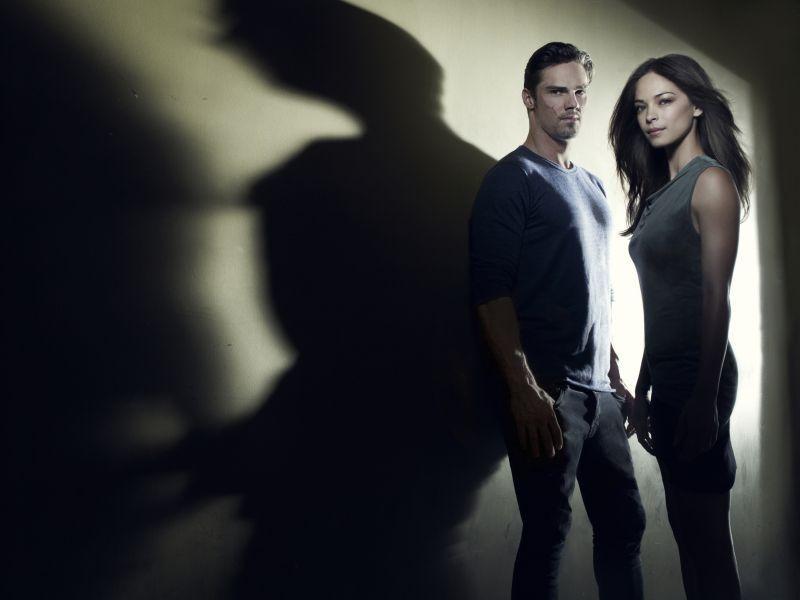 Постер для 1 сезона сериала Красавица и Чудовище