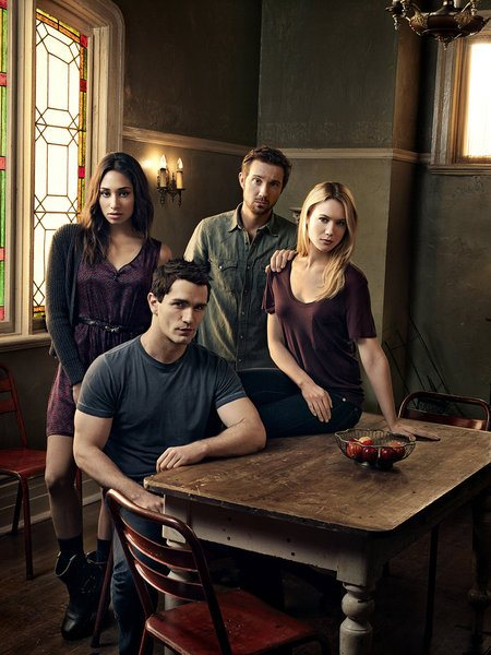 Постер для 4 сезона сериала Быть Человеком (США)