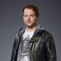 Джоэль Келлер в сериале Укушенная - официальное фото