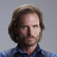 Грег Брайк в сериале Укушенная - официальное фото