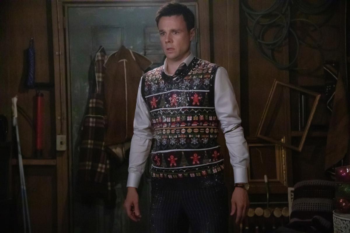 """Зачарованные """"Jingle Hell"""" - 9 серия 1 сезона"""