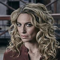 Клаудия Блэк в сериале Карантин - официальное фото