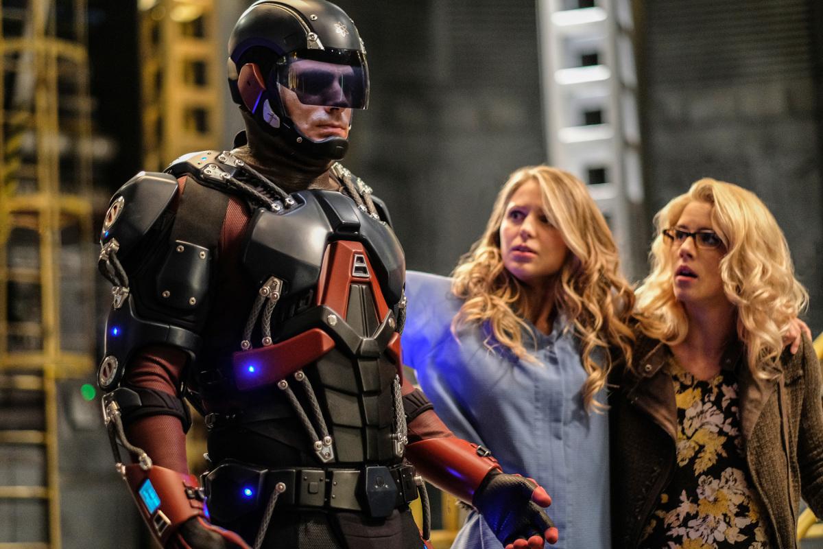 "Легенды Завтрашнего Дня ""Crisis on Earth X, Part 4"" - 8 серия 3 сезона"