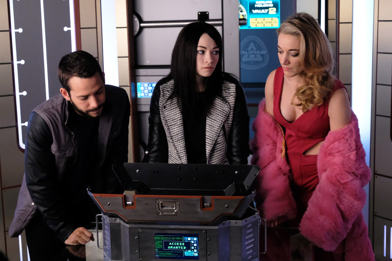 "Темная Материя ""Give It up, Princess"" - 5 серия 3 сезона"