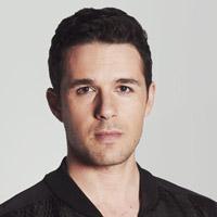 Марк Бендавид в сериале Темная Материя - официальное фото