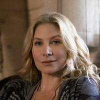 Элизабет Митчелл в сериале Разгар Лета - официальное фото
