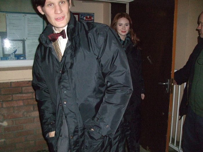 Мэтт Смит и Карен Гиллан на съемках второго сезона Доктора Кто