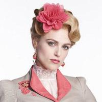 Кэти МакГрат в сериале Дракула - официальное фото