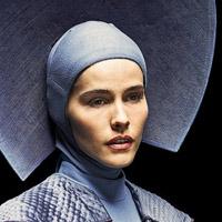 Изабель Лукас в сериале Изумрудный Город - официальное фото