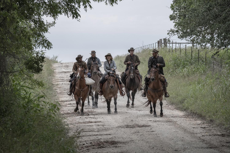 """Бойтесь Ходячих Мертвецов """"Channel 5"""" - 15 серия 5 сезона"""