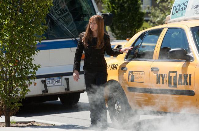 Оливия в премьере третьего сезона За Гранью