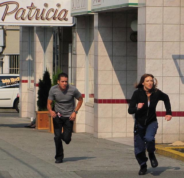 Оливия и Чарли в третьем сезоне За Гранью