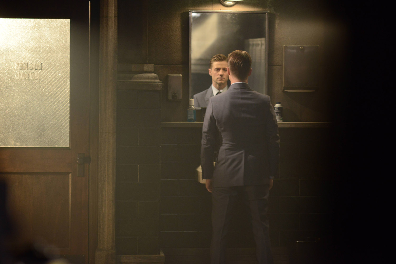 """Готэм """"Damned if you Do, ..."""" - 1 серия 2 сезона"""