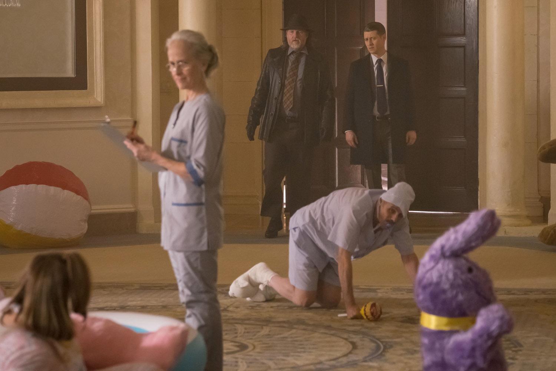 "Готэм ""The Sinking Ship The Grand Applause"" - 15 серия 4 сезона"