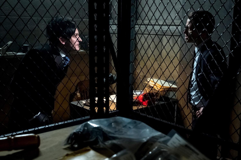 """Готэм """"That's Entertainment"""" - 18 серия 4 сезона"""