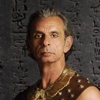 Энтони Банси в сериале Hieroglyph - официальное фото
