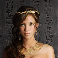 Келси Чоу в сериале Hieroglyph - официальное фото