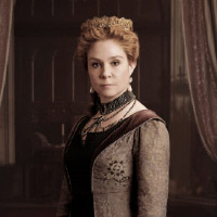 http://scifi-tv.ru/images/series/Reign/promo_photo_1_Megan_Follows_photo.jpg
