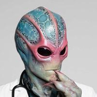 Алан Тьюдик в сериале Засланец из Космоса - официальное фото
