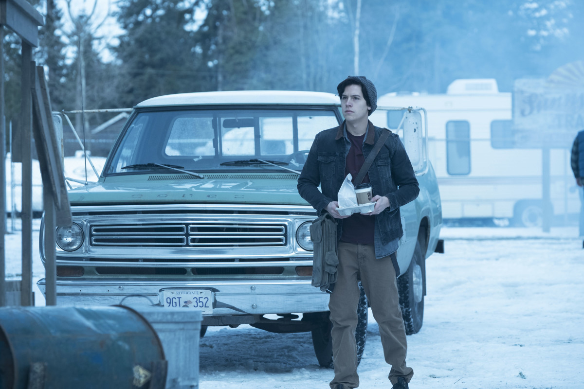 "Ривердейл ""Chapter Eleven: To Riverdale and Back Again"" - 11 серия 1 сезона"