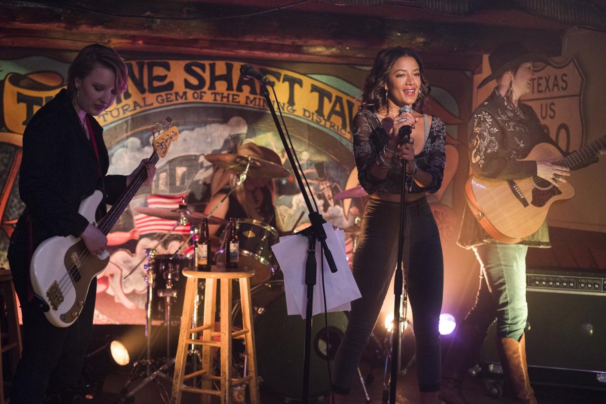 "Розуэлл Нью-Мексико ""Songs About Texas"" - 9 серия 1 сезона"