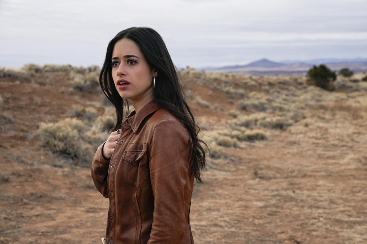 "Розуэлл Нью-Мексико ""Recovering the Satellites"" - 13 серия 1 сезона"