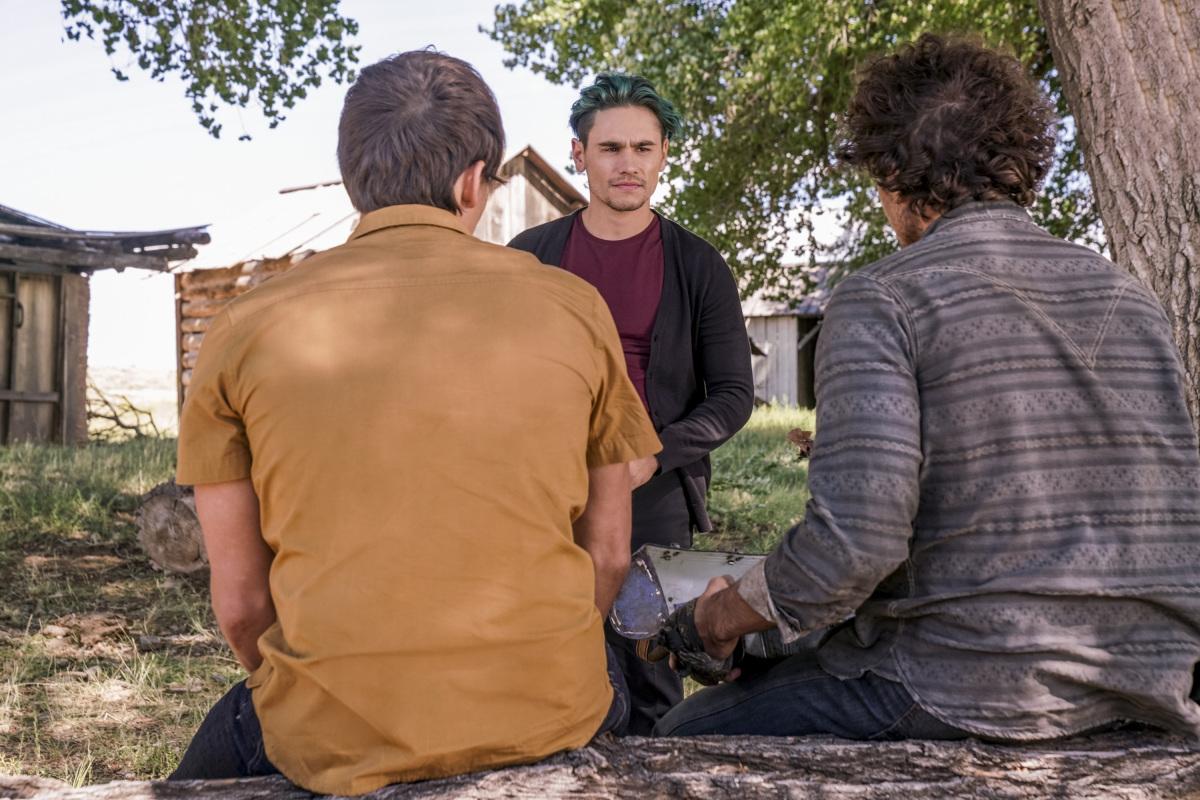 "Розуэлл Нью-Мексико ""What If God Was One of Us?"" - 4 серия 2 сезона"