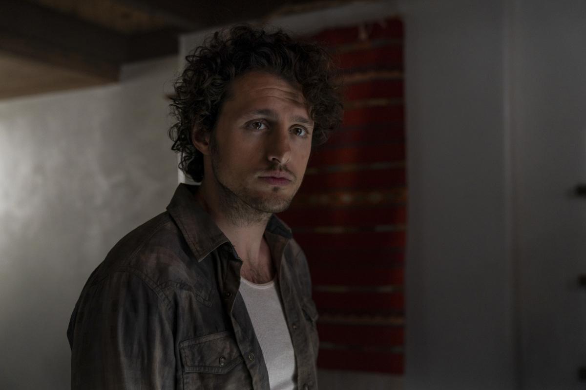 """Розуэлл Нью-Мексико """"Crash Into Me"""" - 12 серия 2 сезона"""