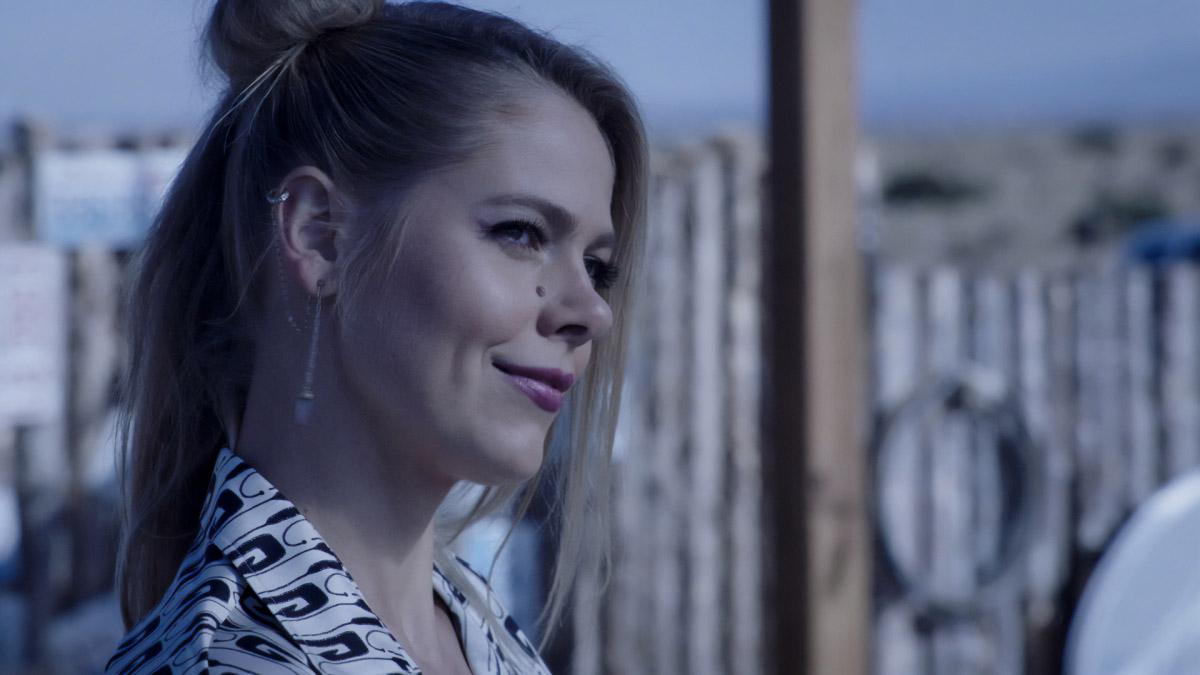 """Розуэлл Нью-Мексико """"Hands"""" - 1 серия 3 сезона"""