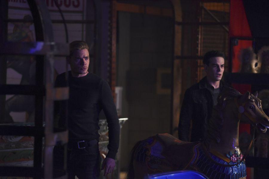 """Сумеречные Охотники """"Bound By Blood"""" - 9 серия 2 сезона"""
