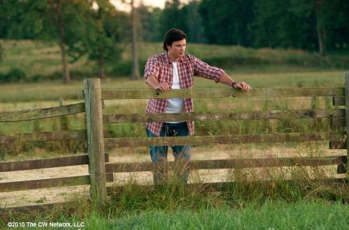 Том Веллинг в роли Кларка в 10 сезоне Тайн Смолвиля