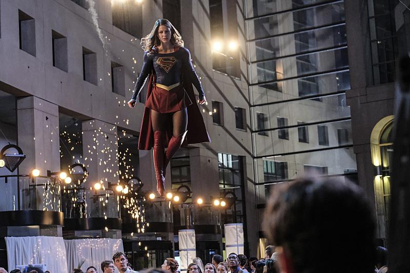 "Супергерл ""Crossfire"" - 5 серия 2 сезона"