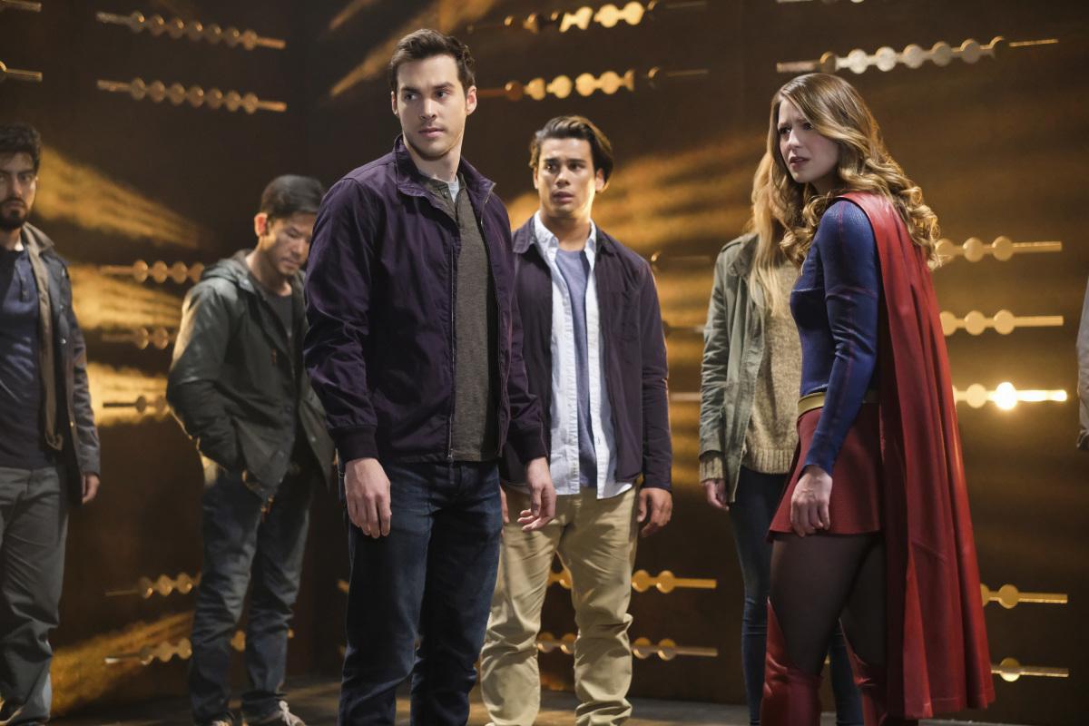 "Супергерл ""Supergirl Lives"" - 9 серия 2 сезона"