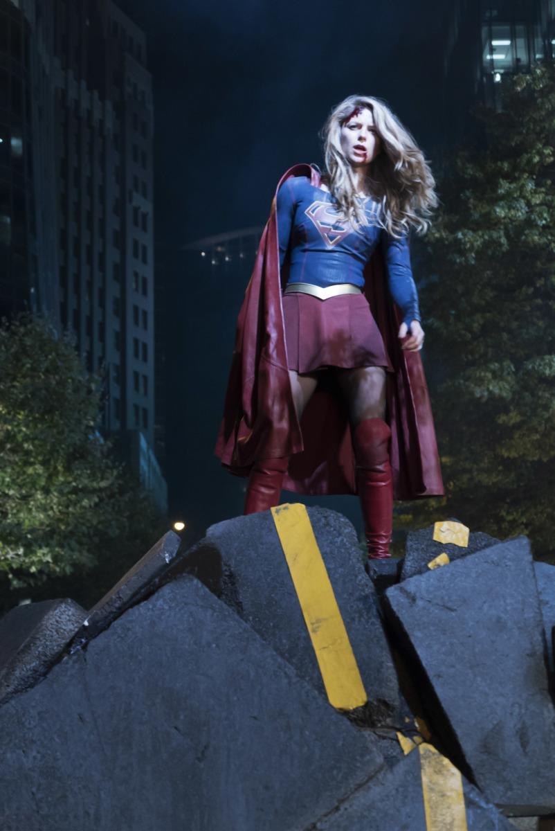 """Супергерл """"Reign"""" - 9 серия 3 сезона"""